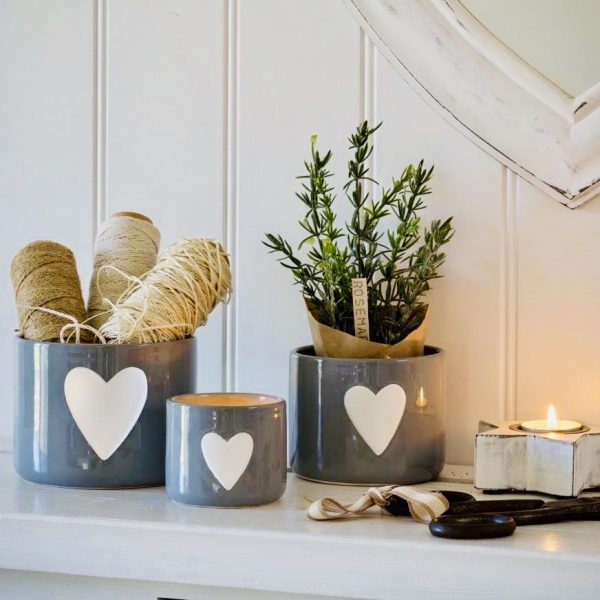 Set of 3 ceramic heart pots